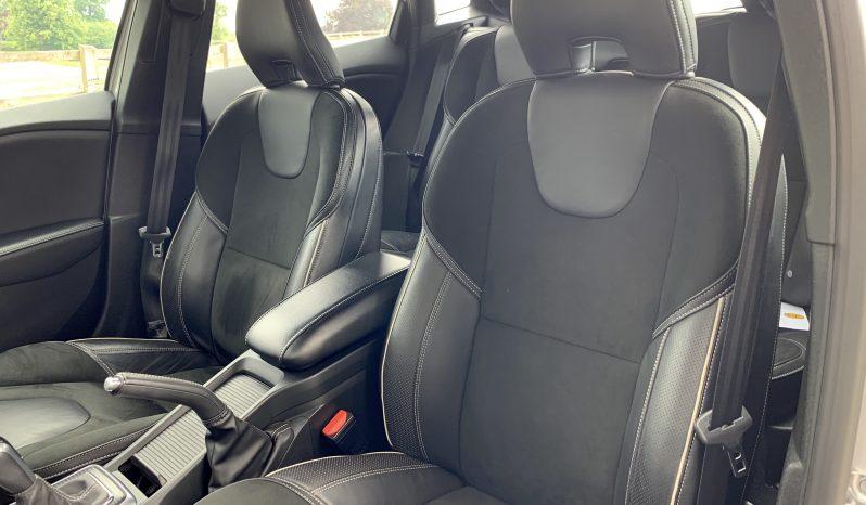 Volvo V40 D2 R Design Plus full